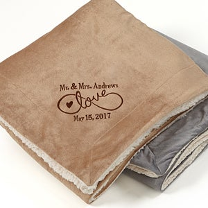 Embroidered Sherpa Blanket - Warmhearted Love - 15815