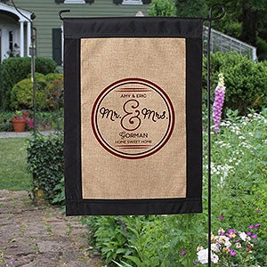 Personalized Couple Burlap Garden Flag   Circle Of Love   17017