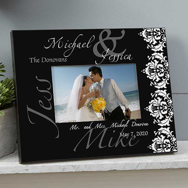 personalized wedding picture frames wedding day the wedding couple personalized picture frame