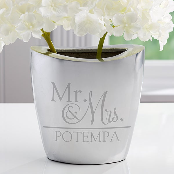 Personalized Wedding Aluminum Vase - Wedded Pair - 16343