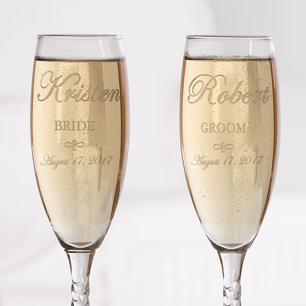 7095 Wedding Couple Personalized Champagne Flute Set